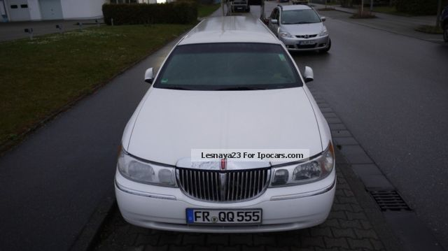 2012 Lincoln Town Car Car Photo And Specs