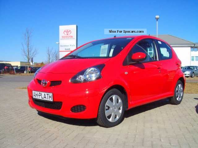 2012 Toyota  5 door Aygo Aygo including transfer costs Saloon New vehicle photo