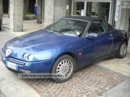 1996 Alfa Romeo  Spider 2.0 GPL Cabriolet / Roadster Used vehicle photo