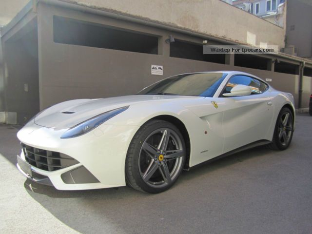 2012 Ferrari  F12 20 \ Sports Car/Coupe New vehicle photo
