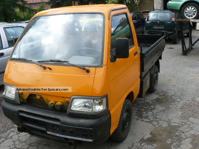 2002 Piaggio  Porter Truck DUMP TRUCK Other Used vehicle photo
