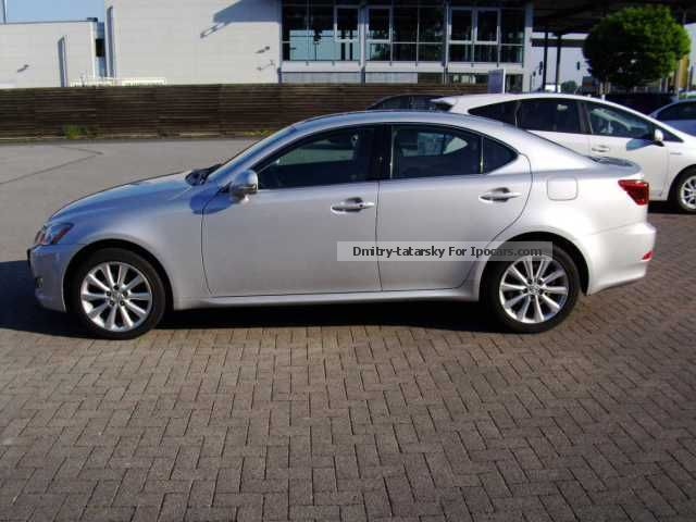 2009 lexus is 220d car photo and specs. Black Bedroom Furniture Sets. Home Design Ideas
