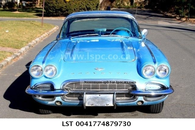 Corvette  1961 Convertible - Hardtop € 39.500T1 1961 Vintage, Classic and Old Cars photo