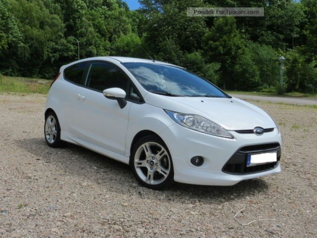 2010 Ford  Fiesta 1.4 Sport Small Car Used vehicle photo
