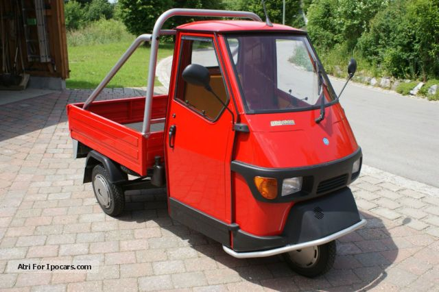 2013 piaggio ape 50 cross red car photo and specs. Black Bedroom Furniture Sets. Home Design Ideas