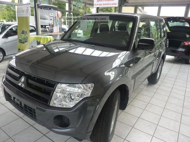 2012 Mitsubishi  Pajero 3.2 DI-D 5-door Inform Off-road Vehicle/Pickup Truck New vehicle photo