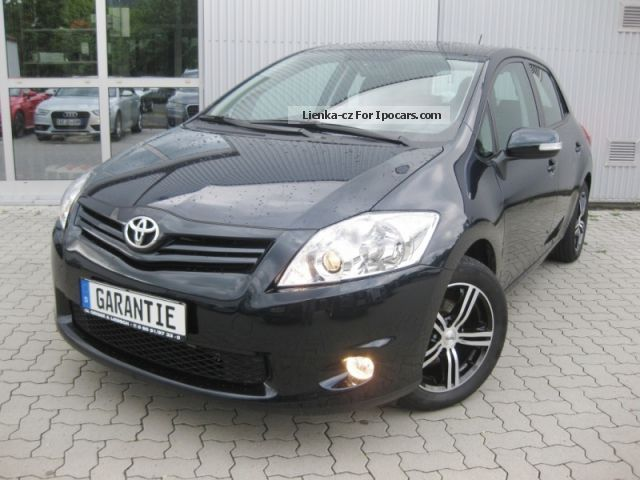 2012 Toyota  1:33 Auris Dual VVT-i, LimHb Saloon Used vehicle (Accident-free) photo