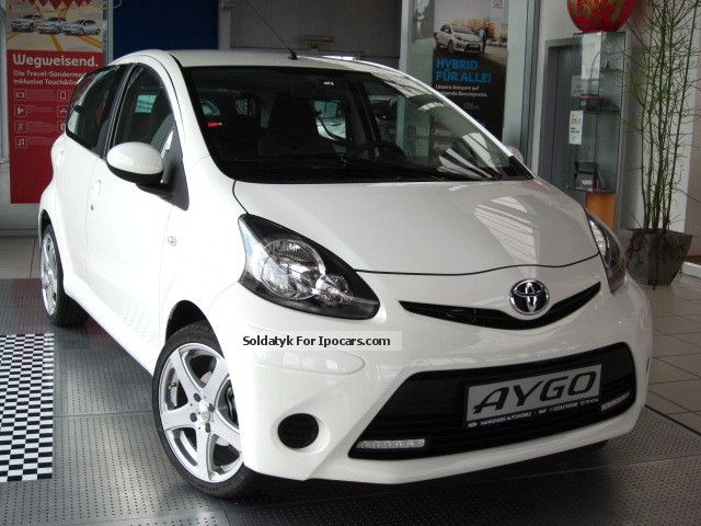 2013 Toyota Aygo 10 Cool 5 Door Air Radio Cd Radio Zv Car Photo