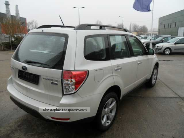 2012 subaru forester 2 0d comfort car photo and specs. Black Bedroom Furniture Sets. Home Design Ideas