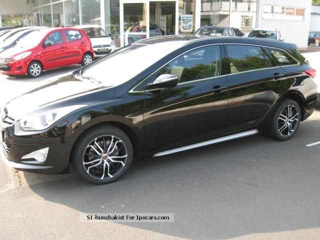 2013 hyundai i40 cw 1 7 crdi 5 star edition car photo and specs. Black Bedroom Furniture Sets. Home Design Ideas