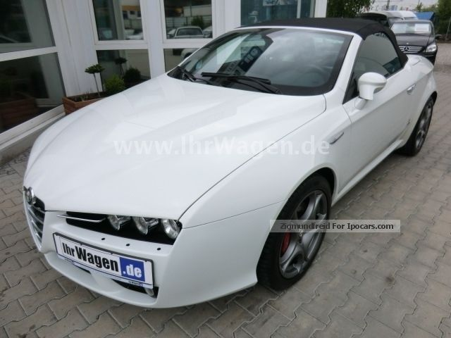 2012 Alfa Romeo  Alfa Spider 2.4 JTDM 20V DPF SPORT SEATS * SPECIAL * Cabriolet / Roadster Used vehicle photo