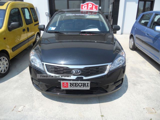 Kia  cee d 1.4 LX 90CV GPL KM 0 2012 Liquefied Petroleum Gas Cars (LPG, GPL, propane) photo