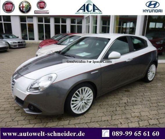 2012 Alfa Romeo  Giulietta - ACA Edition Bi Colour - Single Piece Saloon Pre-Registration(  Accident-free) photo
