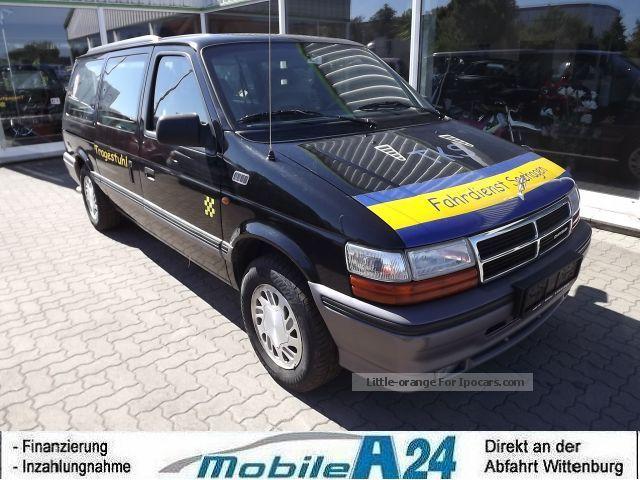 1994 Chrysler  Voyager 2.5 TD LE WHEELCHAIR LIFT AIR Van / Minibus Used vehicle photo