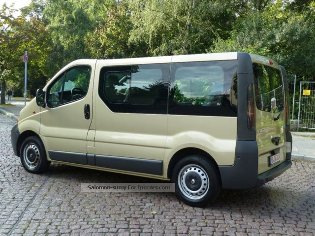 2005 renault trafic 1 9 dci passenger car photo and specs. Black Bedroom Furniture Sets. Home Design Ideas