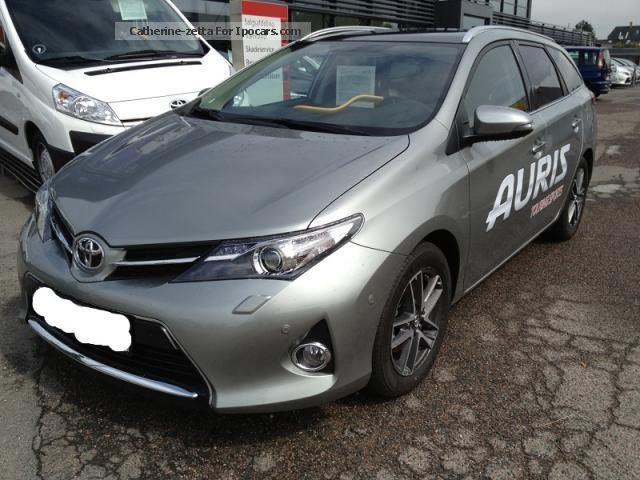 toyota auris touring sports 2 620x412 toyota auris touring sports pictures to pin on pinterest. Black Bedroom Furniture Sets. Home Design Ideas
