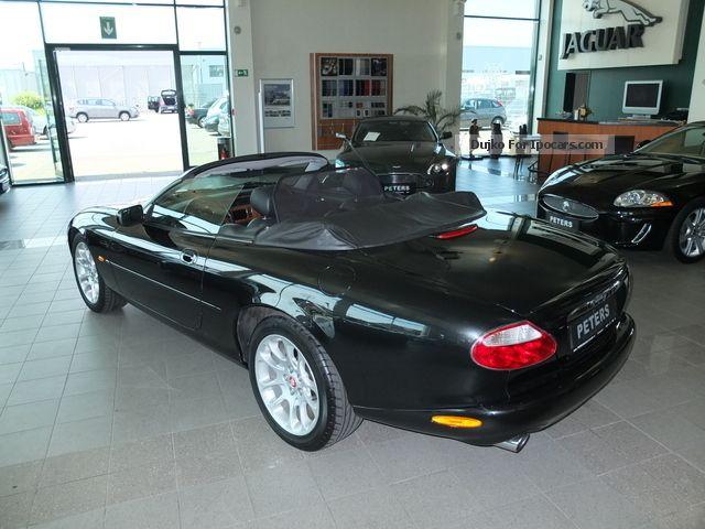 2001 jaguar xkr 4 0 v8 cabrio car photo and specs. Black Bedroom Furniture Sets. Home Design Ideas