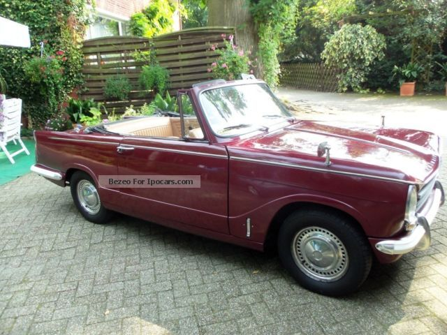 Triumph  Herald 13/60 1971 Vintage, Classic and Old Cars photo