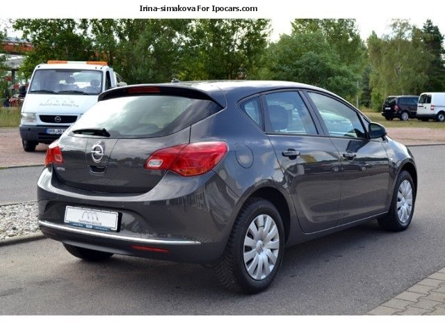 2012 opel astra j 1 4 turbo edition pdc view package car. Black Bedroom Furniture Sets. Home Design Ideas