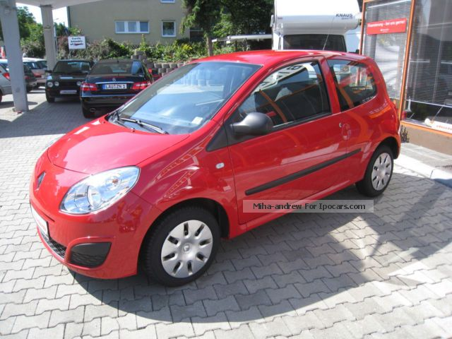 2008 renault twingo 1 2 authentique climate 4 car photo and specs. Black Bedroom Furniture Sets. Home Design Ideas