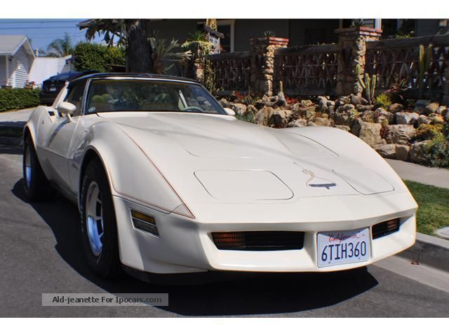 1980 Chevrolet  Corvette T-roof Sports Car/Coupe Used vehicle photo