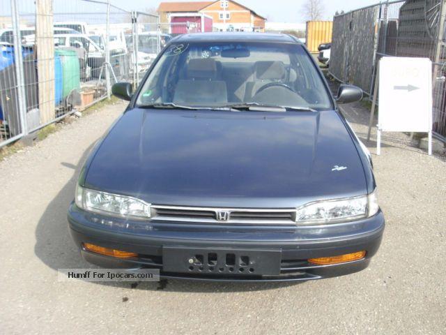 1992 Honda  Accord EX Saloon Used vehicle photo