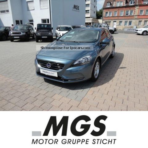2012 Volvo  1.6ltr V40 Momentum. T3 5-door NAVI, Rückfahrkam Saloon Employee's Car (  Accident-free ) photo