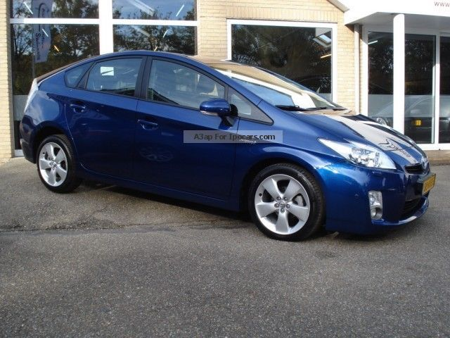 Toyota  Prius 1.8 Hybrid Synergy Drive Dynamic LEATHER / XE 2012 Electric Cars photo