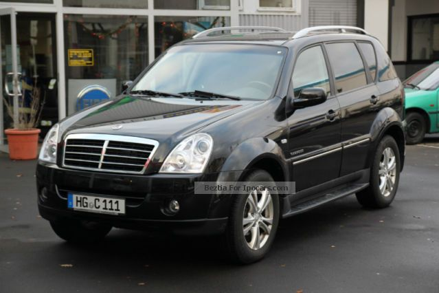 2012 ssangyong rexton xdi auto 8000km car photo and specs. Black Bedroom Furniture Sets. Home Design Ideas