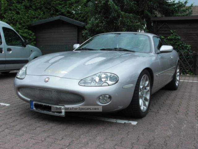 2002 jaguar xkr coupe car photo and specs. Black Bedroom Furniture Sets. Home Design Ideas