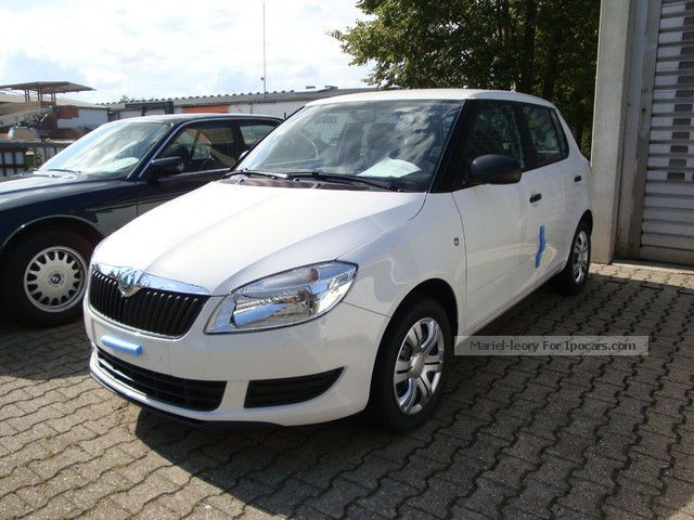 2012 Skoda  Fabia 1.2 TSI DSG Activ \ Small Car New vehicle photo