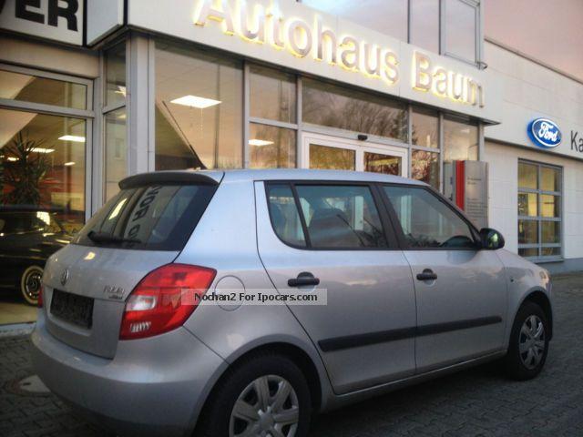 2011 Skoda  Fabia 1.2 TSI climate Small Car Used vehicle photo