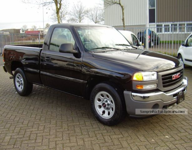 2006 gmc sierra 1500 v6 net 4950 car photo and specs. Black Bedroom Furniture Sets. Home Design Ideas