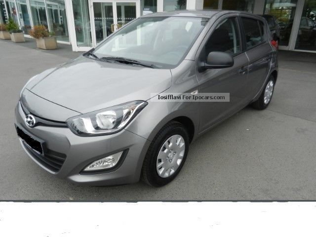 2012 Hyundai  i20 FIFA Cup 2014 Silver Package * from 3.9% * KeinEU Saloon New vehicle photo