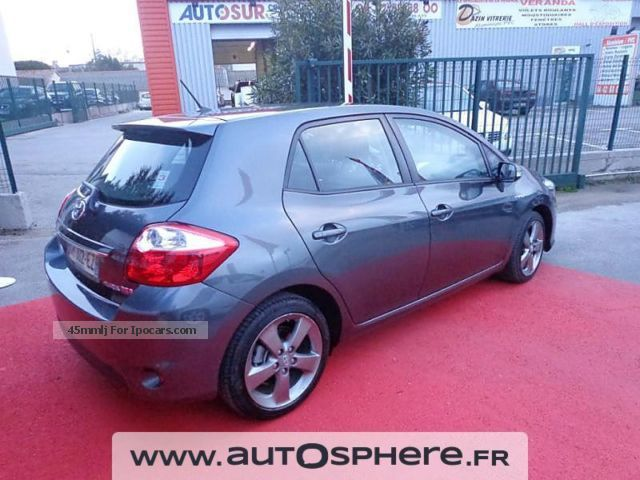 2012 toyota auris hsd 136h dynamic 17 5p car photo and specs. Black Bedroom Furniture Sets. Home Design Ideas