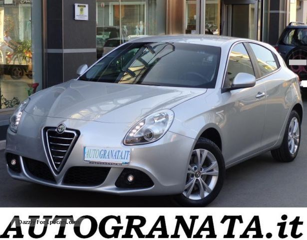 2012 Alfa Romeo  Giulietta 2.0 M-jet DISTINCTIVE 140CV E5 S \u0026 S dpf Saloon Used vehicle photo