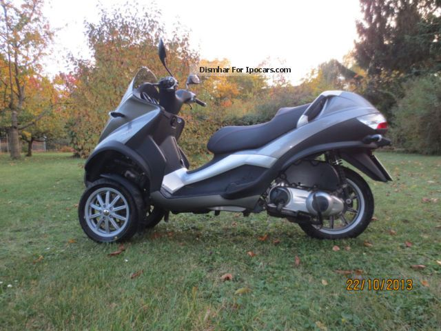 2008 piaggio mp3 250 lt car photo and specs. Black Bedroom Furniture Sets. Home Design Ideas