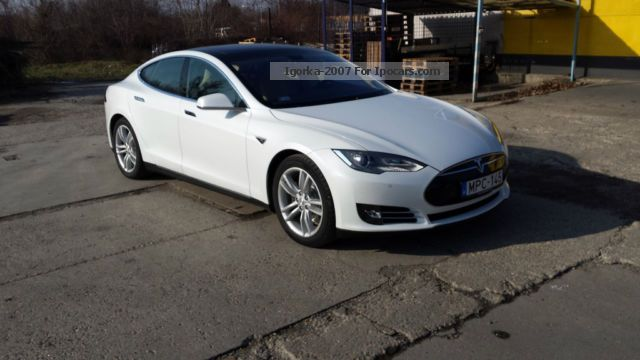 2012 Tesla  Model S Performance Saloon New vehicle photo