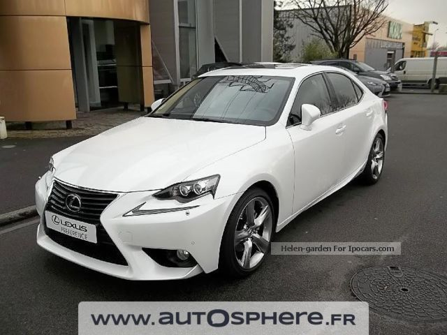 2014 Lexus  IS 300h Executive Saloon Used vehicle photo