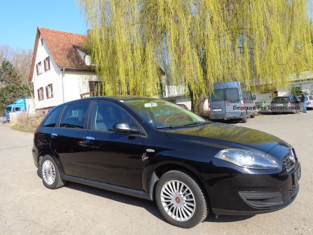 2010 Fiat  Croma 1.8 16V Estate Car Used vehicle (  Accident-free ) photo