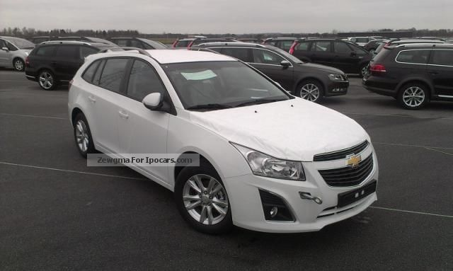 2012 Chevrolet  Cruze Station Wagon LT 1.8 141Ps/104KW, 5 Gan ... Estate Car New vehicle photo
