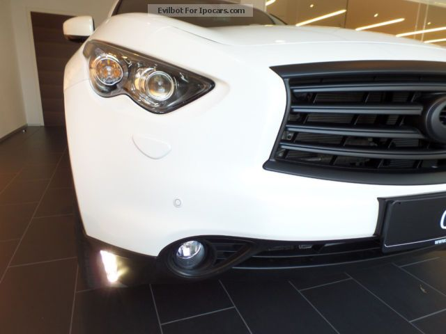 2014 Infiniti QX70 3.0d AHG Sports / 280PS / Dark Line Off-road