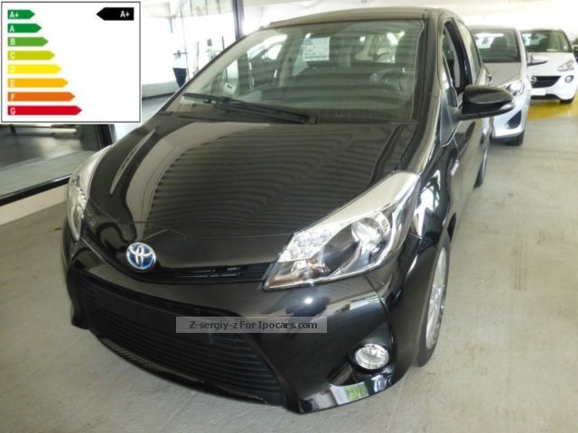 Toyota  Yaris Hybrid 1.5 VVT-i Life (XP13) 2012 Hybrid Cars photo