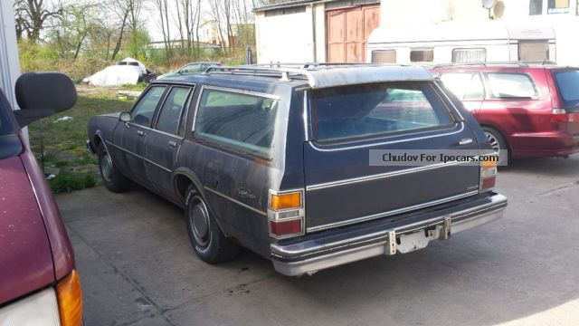 1982 Oldsmobile  Custom Cruiser V8 DIESEL! Estate Car Used vehicle photo