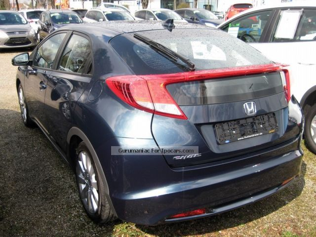 2013 Honda Civic 1.8 Sport 5tg. Air Conditioning Saloon Used Vehicle Photo  ...