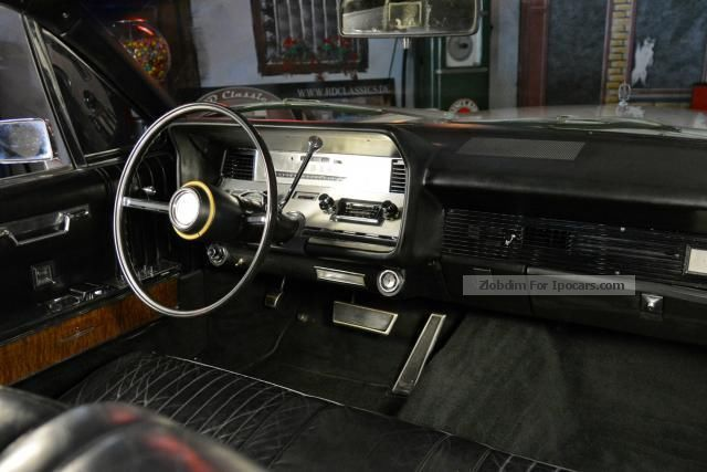 1967 lincoln continental suicide doors car photo and specs for Mercedes benz suicide doors