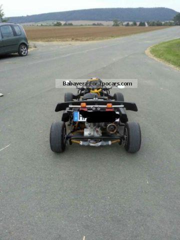 2005 f kart 100 car photo and specs. Black Bedroom Furniture Sets. Home Design Ideas