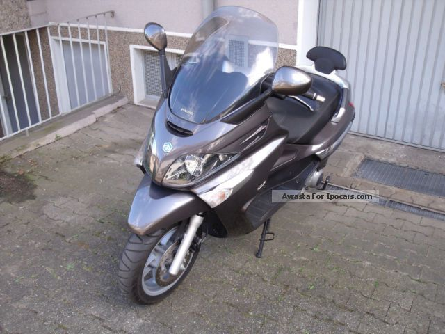 2008 piaggio xevo 125 car photo and specs. Black Bedroom Furniture Sets. Home Design Ideas