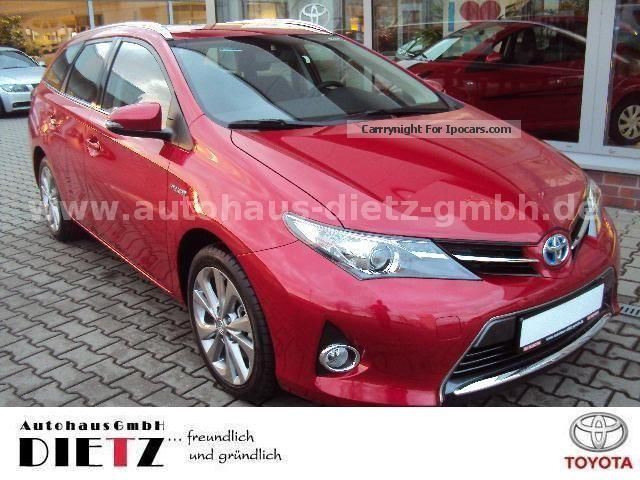 Toyota  Auris Hybrid Touring Sports Life Plus 2012 Hybrid Cars photo