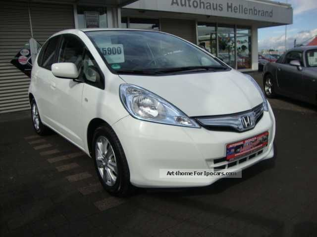 Honda  Jazz 1.3 DSi i-VTEC IMA CVT Comfort 2013 Hybrid Cars photo